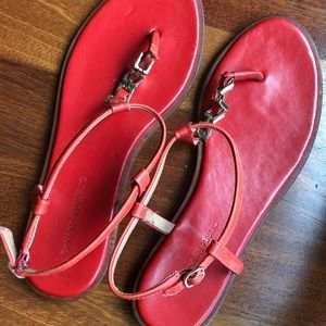 Poppy red leather thong Banana Republic sandals
